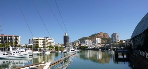Der Yachthafen und Castle Hill