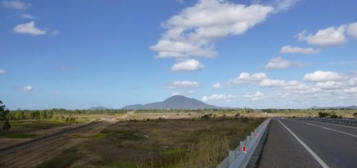 Flaches Land zwischen Townsville und Mackay